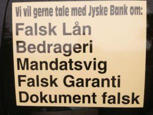 Anders Dam du fik spørgsmål 25 maj 2016 og kunne rette jeres fejl, men du Anders Dam valgte at jyske bank fortsat skulle lyve og snyde, Er der tale om fejl ? Her 1/12 -2017. 17 måneder efter fortsætter jyske bank, så en fejl er der ikke tale om.